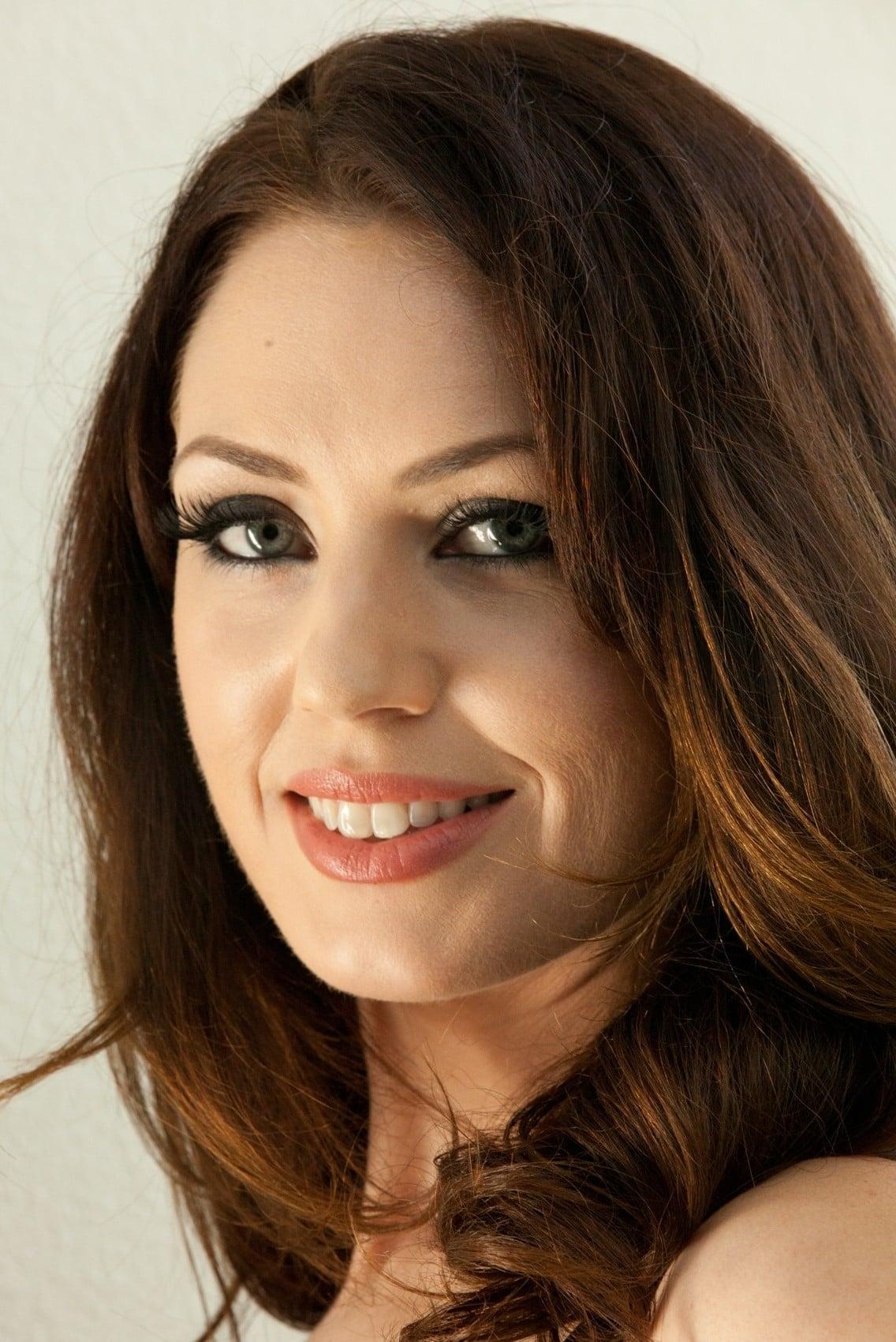 Sarah Shevon - Profile Images — The Movie Database (TMDb)