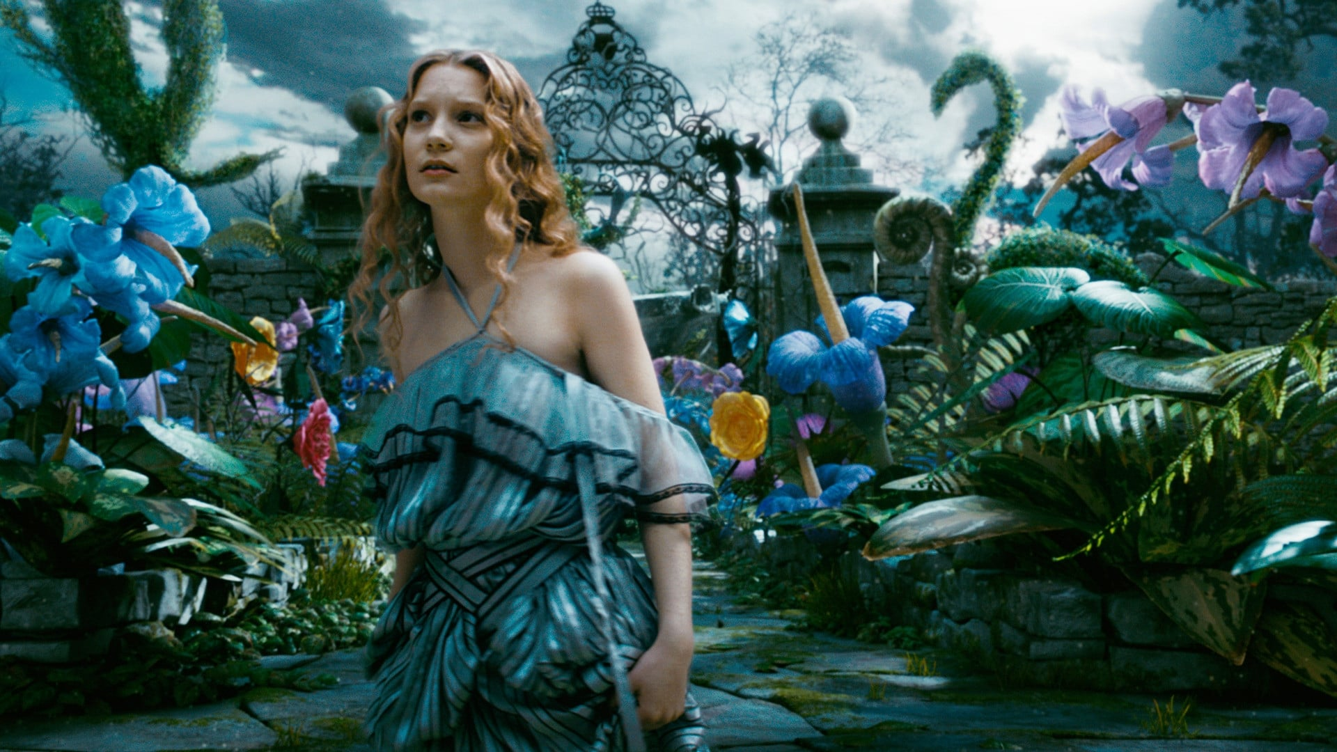 alice in wonderland 2010 Alice in wonderland - trailer 01:58 — alice returns to the whimsical world she first encountered as a young girl and reunites with her childhood friends: the white rabbit, tweedledee and t (more.