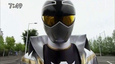 Super Sentai Season 35 :Episode 17  Go Find the Amazing Silver-Colored Man