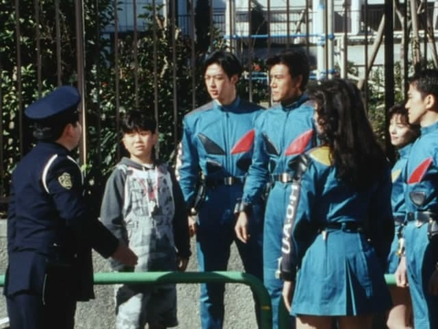 Super Sentai Season 19 :Episode 4  Bizarre!! Papa is an Iron Man