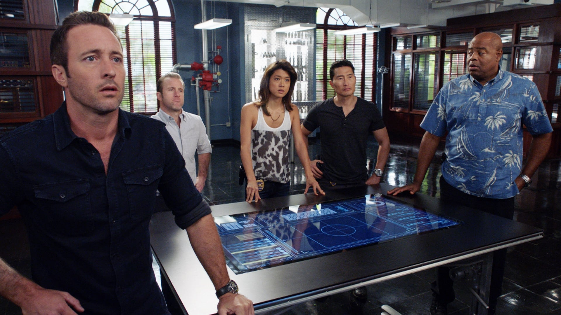 Hawaii Five-0 Season 7 :Episode 17  Hahai i nā pilikua nui (Hunting Monsters)
