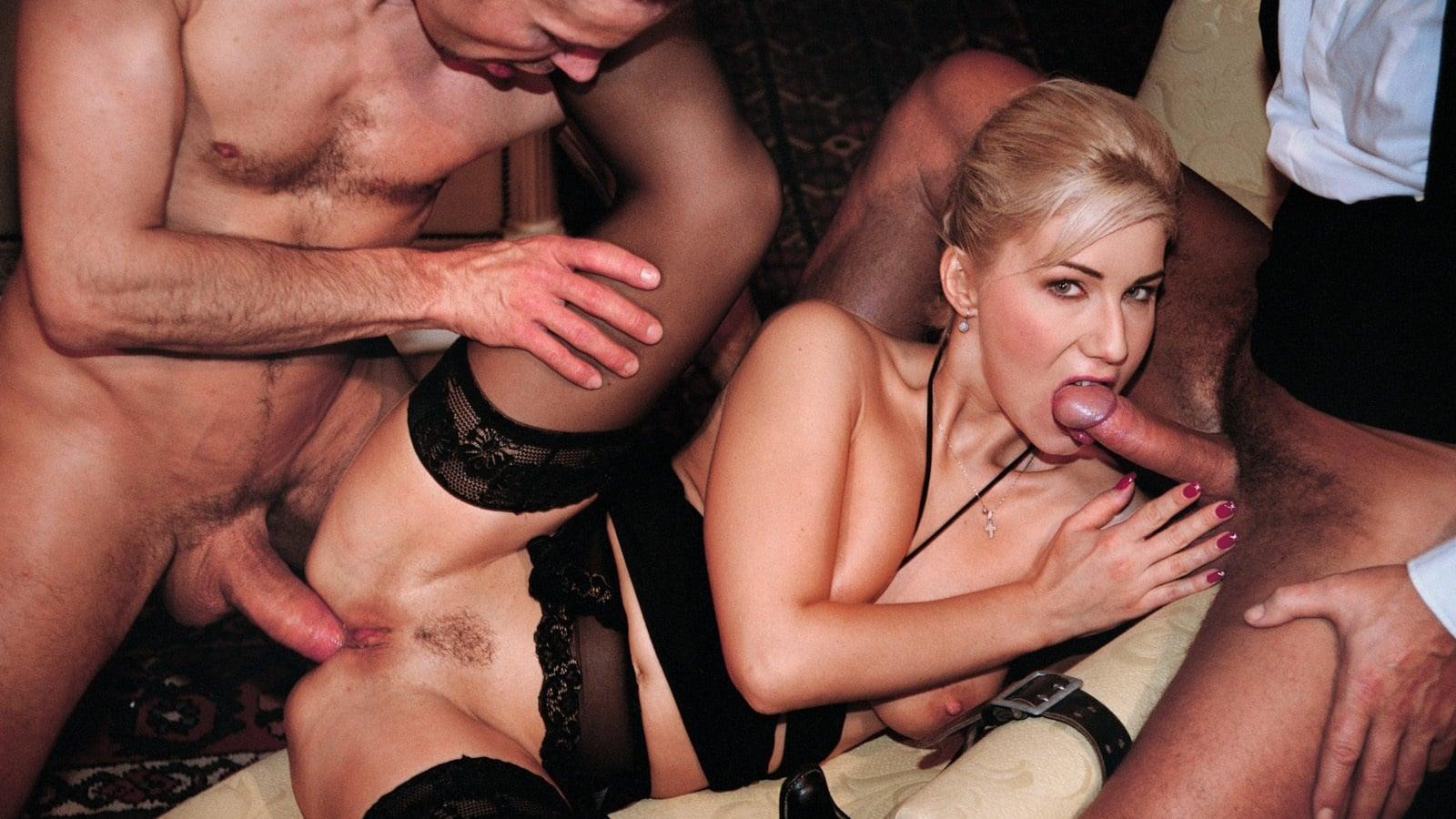 силиконовые порно жена миллионера никто