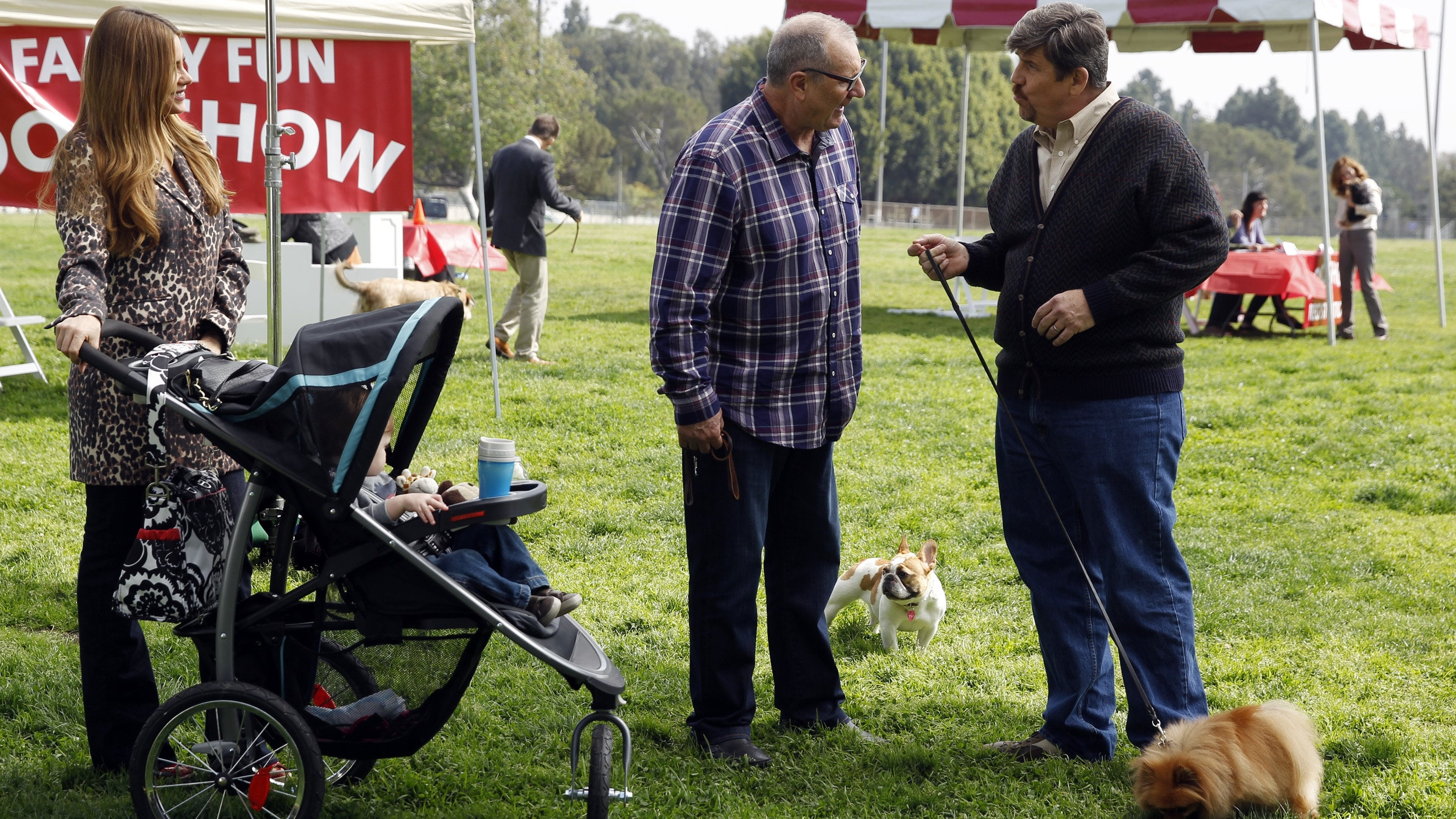 Modern Family Season 5 :Episode 21  Sleeper