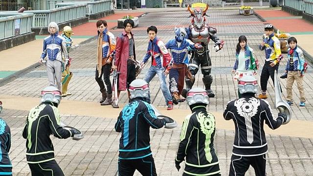 Super Sentai Season 41 :Episode 41  Break In! Planet Southern Cross