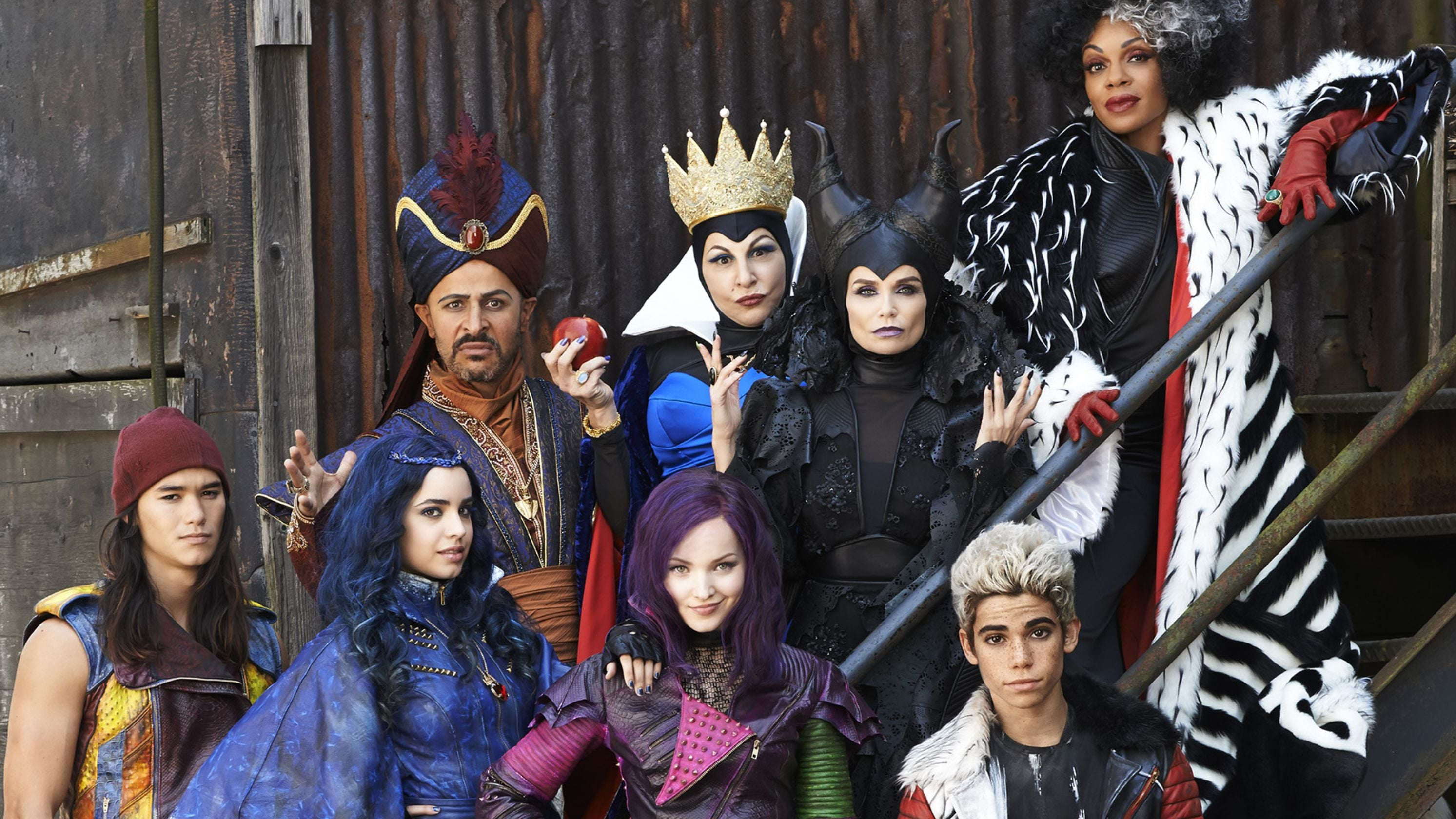 disney's descendants characters - HD 3200×1680