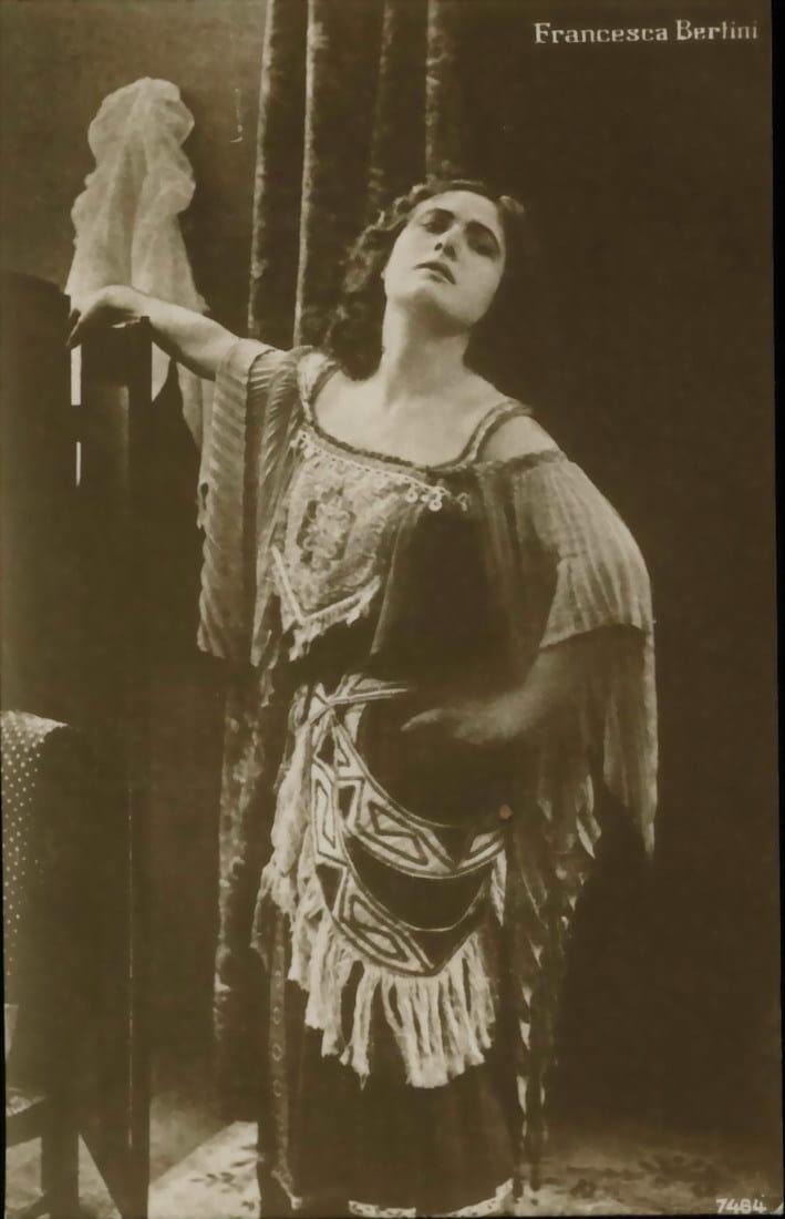 Ver Ivonne, la bella danzatrice Online HD Español (1915)
