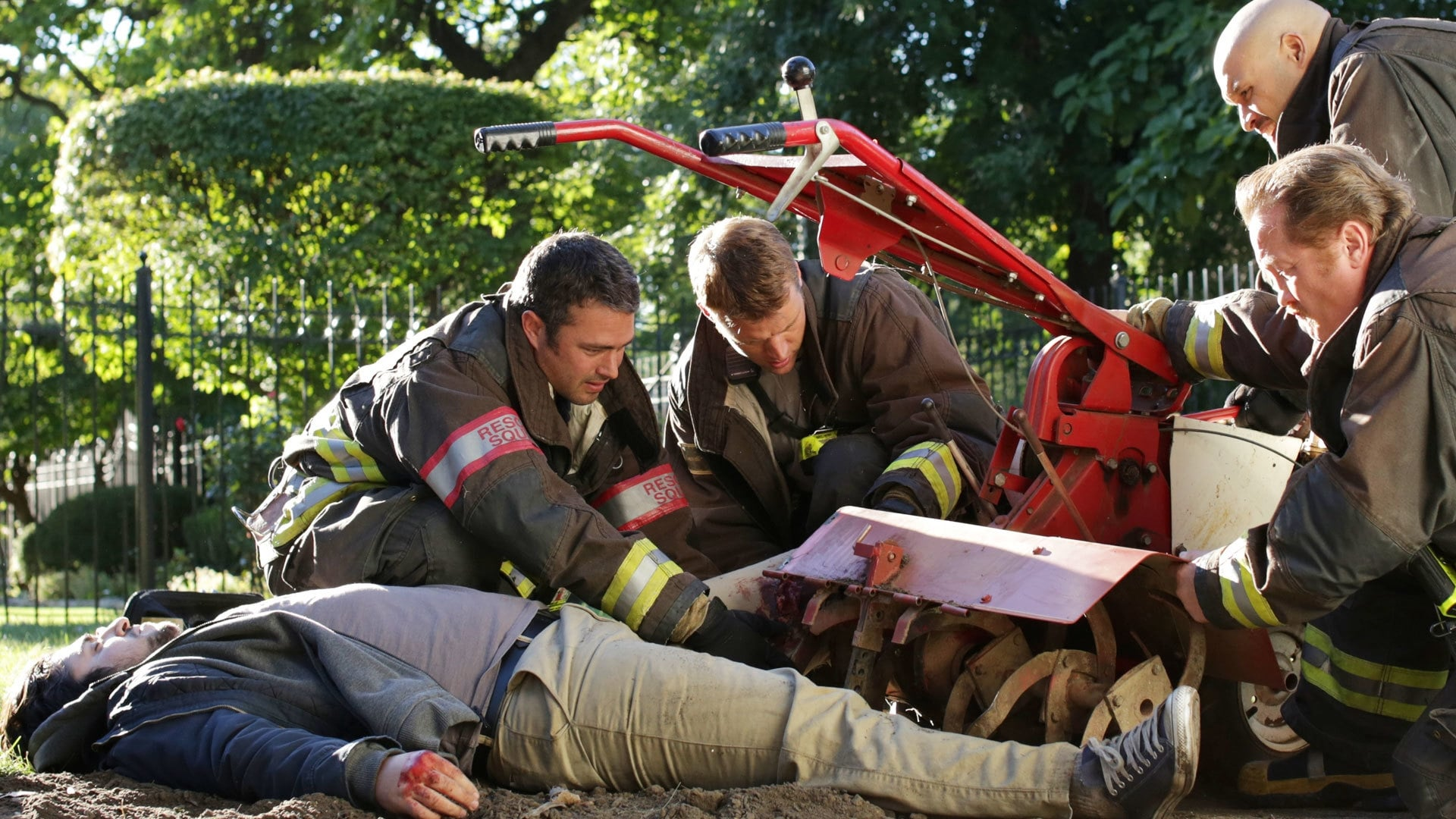 Chicago Fire - Season 2 Episode 5 : A Power Move