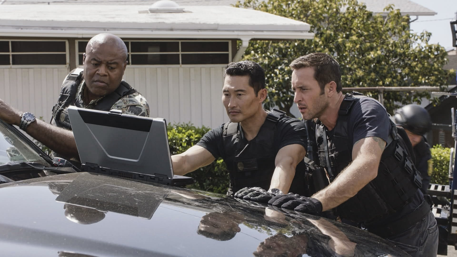 Hawaii Five-0 Season 7 :Episode 20  Huikau na makau a na lawai'a (The fishhooks of the fishermen become entangled)