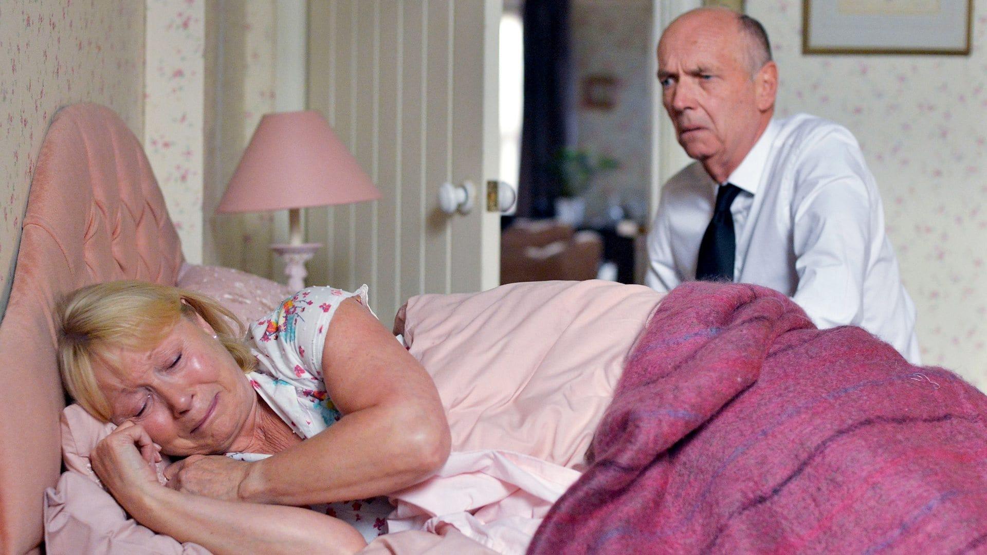 EastEnders Season 31 :Episode 163  12/10/2015