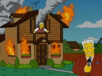 The Simpsons - Season 18 Episode 19 : Crook and Ladder