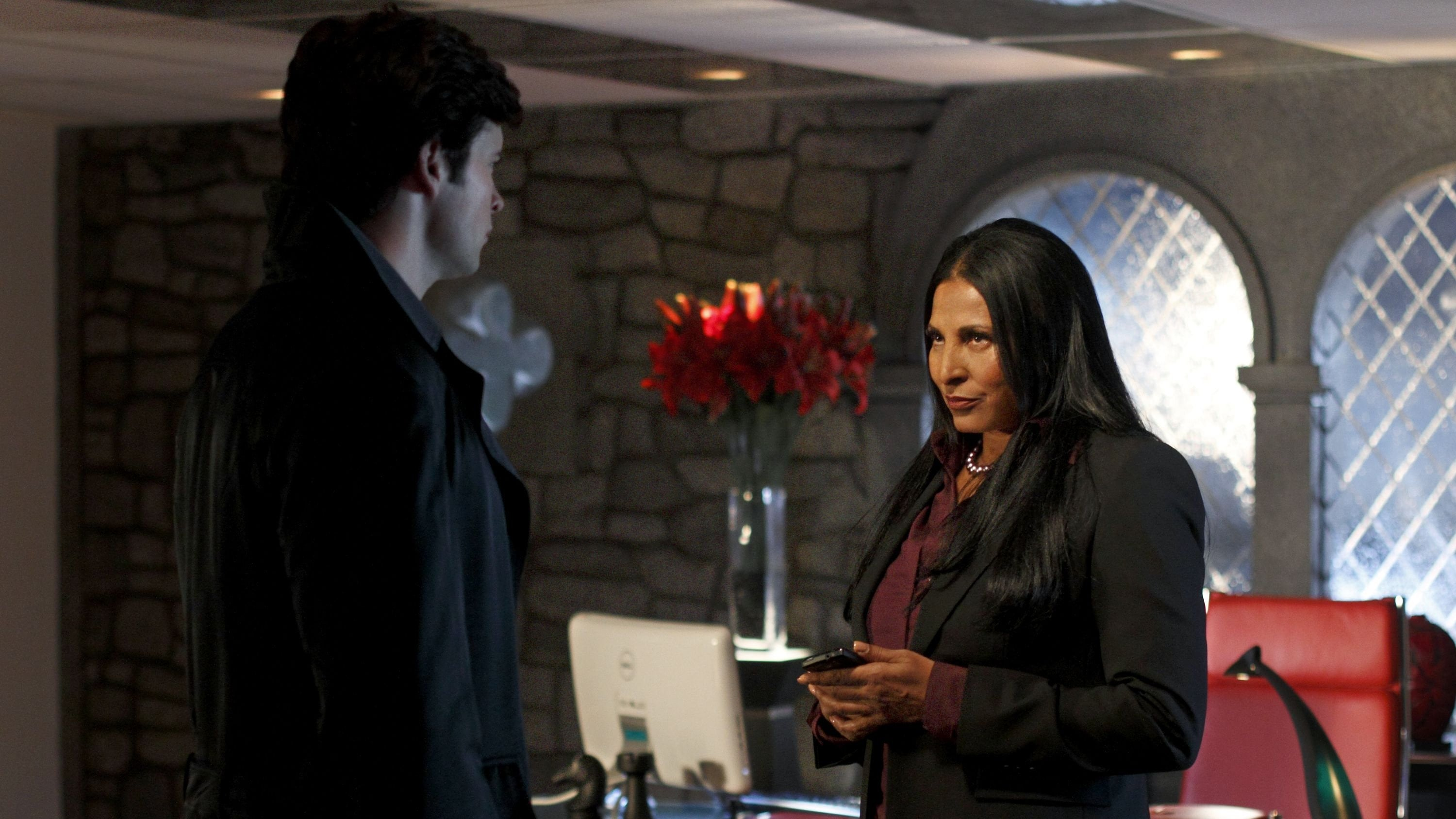 Smallville 9×16 – Jaque mate