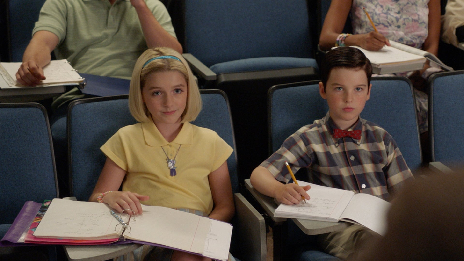 Young Sheldon - Season 2 Episode 2 : A Rival Prodigy and Sir Isaac Neutron