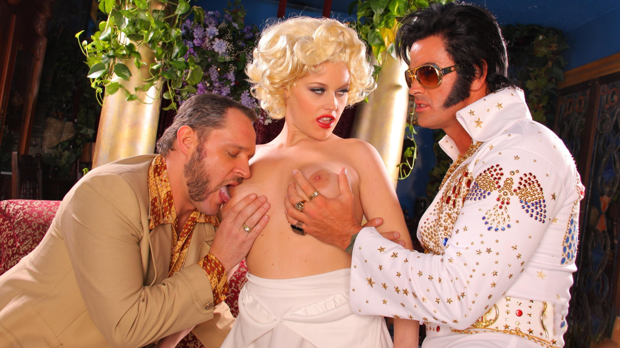 Elvis parody threesome