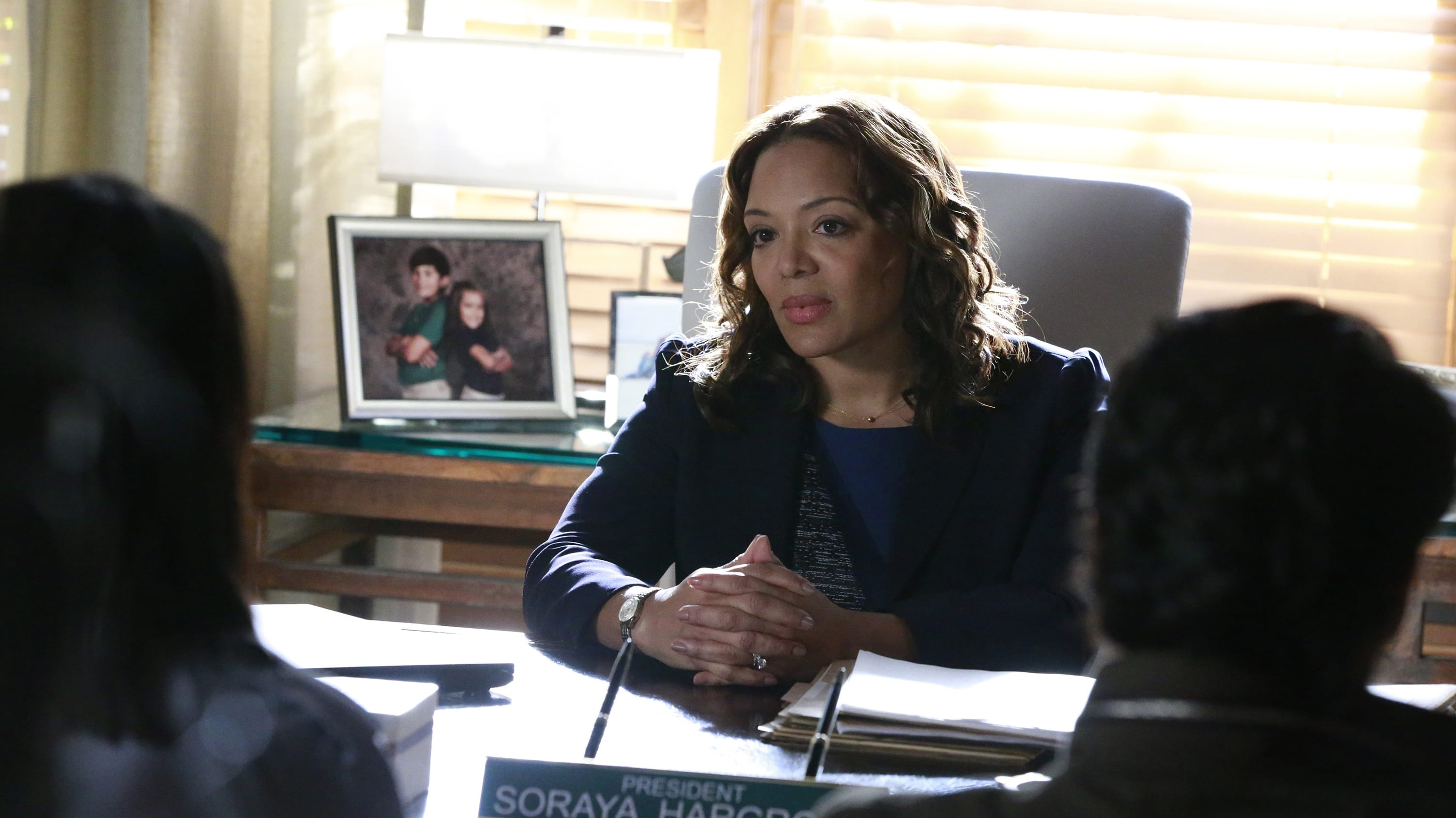 How to Get Away with Murder Season 3 :Episode 11  Not Everything's About Annalise