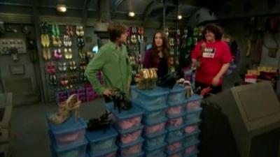 The Suite Life on Deck Season 3 :Episode 5  Das Boots