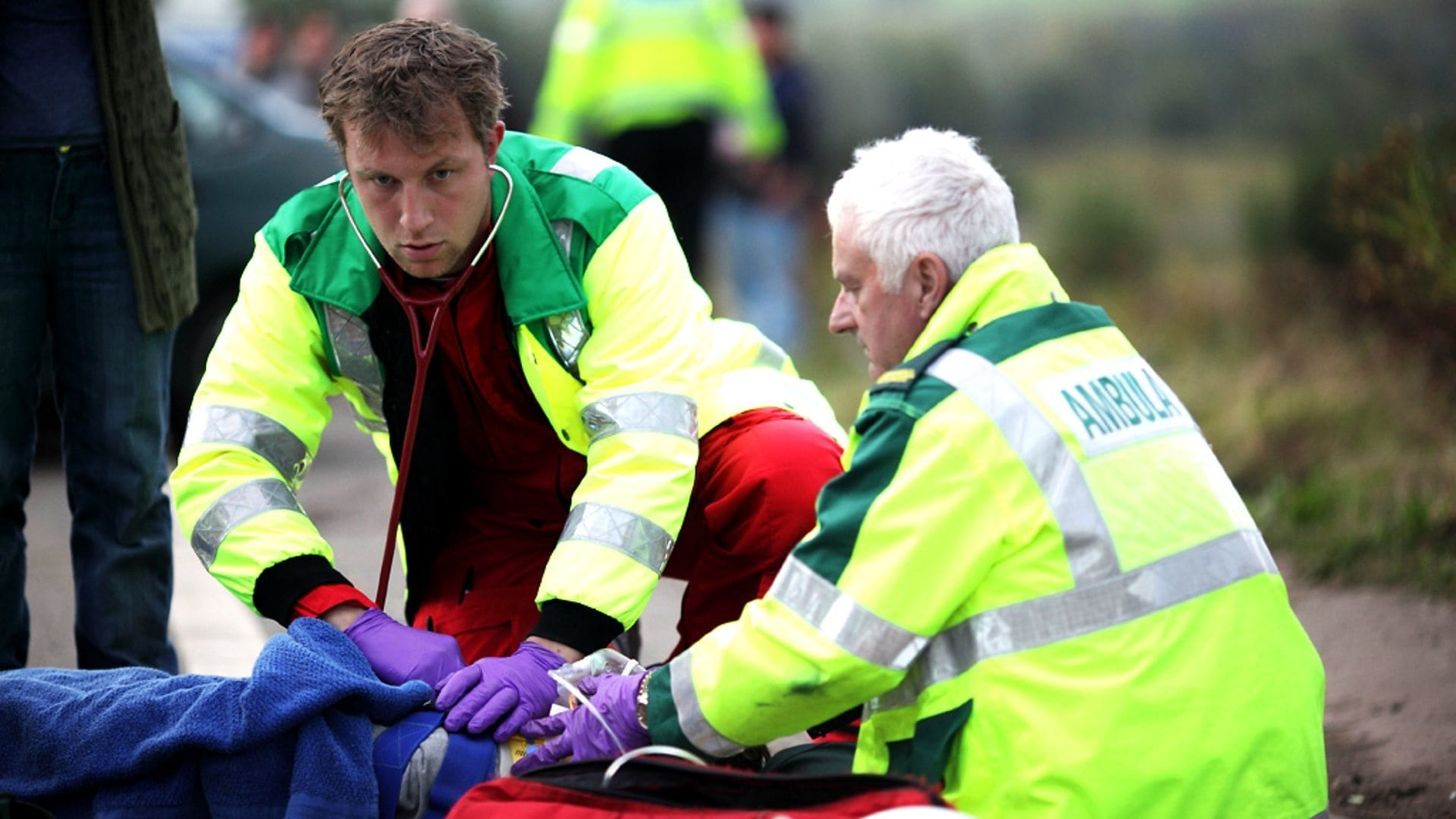 Casualty Season 26 :Episode 18  Death and Doughnuts