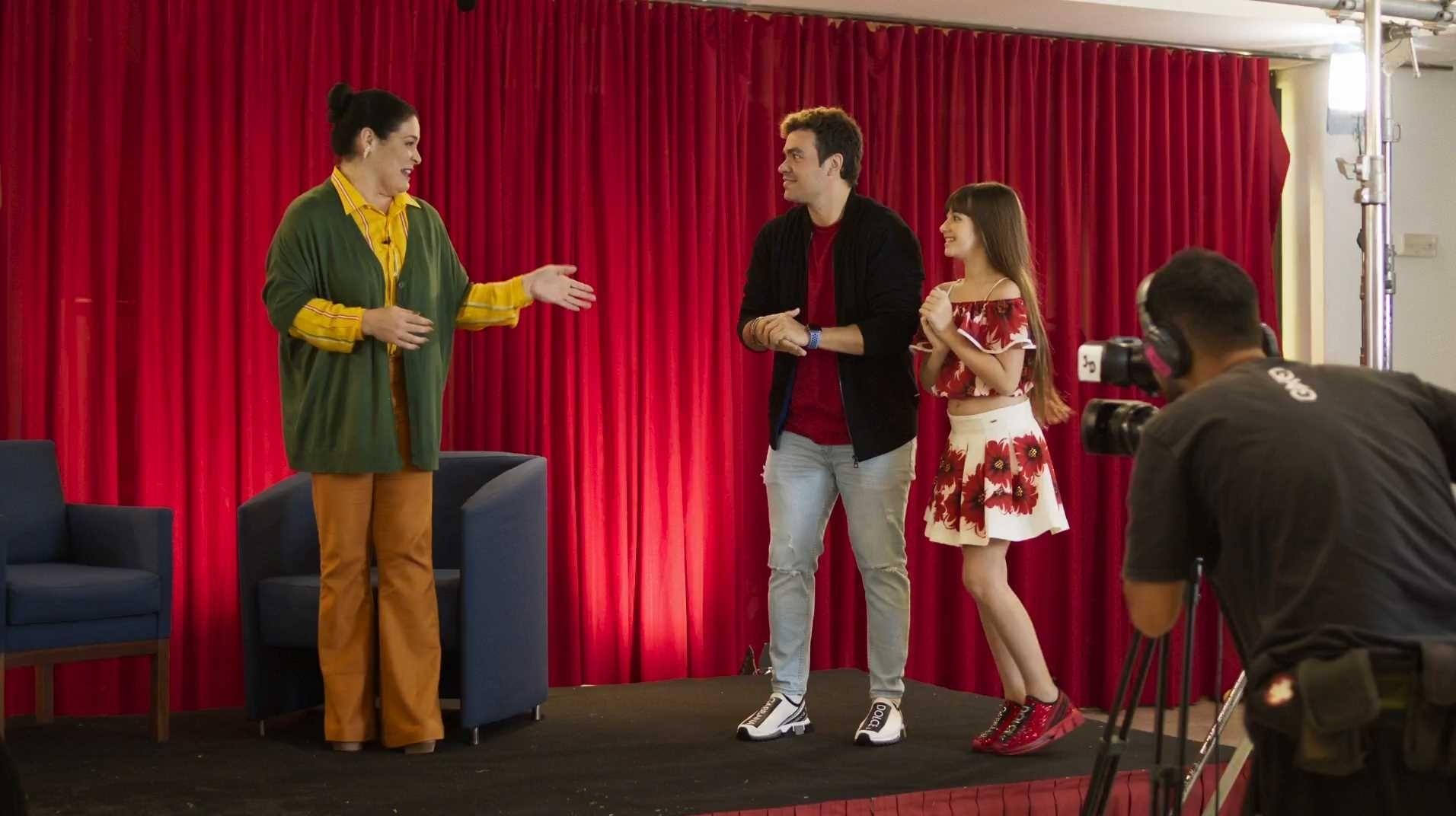Assistir Luccas Neto em: O Hotel Mágico Online - Top Flixs HD