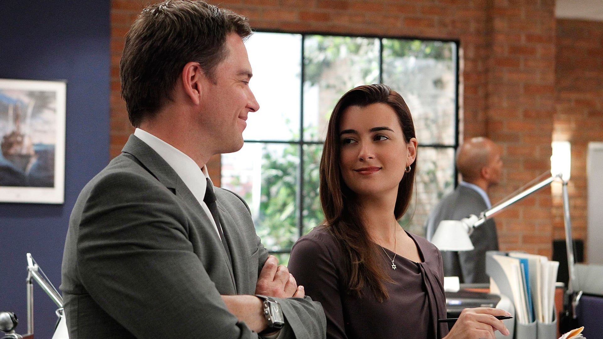 NCIS - Season 8 Episode 20 : Two-Faced