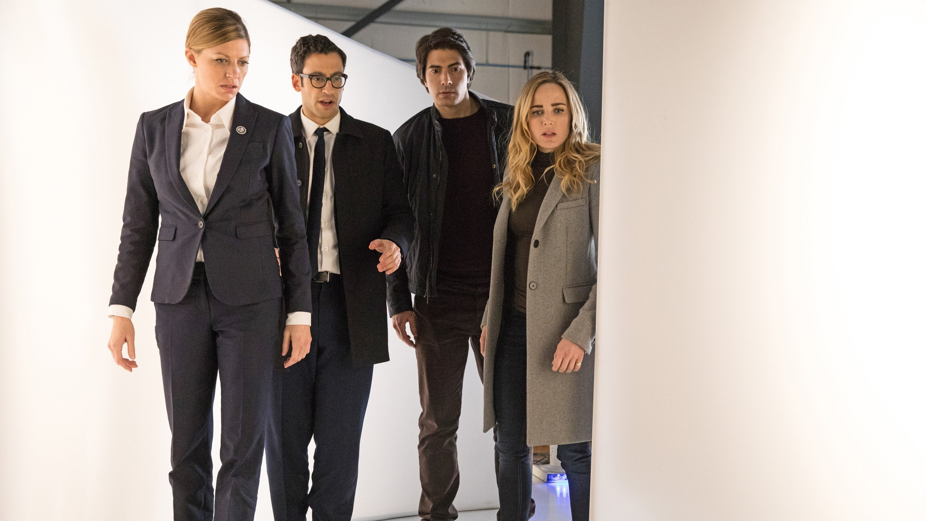 DC's Legends of Tomorrow - Season 3 Episode 16 : I, Ava
