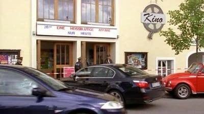 Die Rosenheim-Cops Season 7 :Episode 9  Tod im Kino