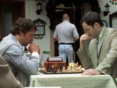 Die Rosenheim-Cops Season 8 :Episode 16  Schachmatt und tot