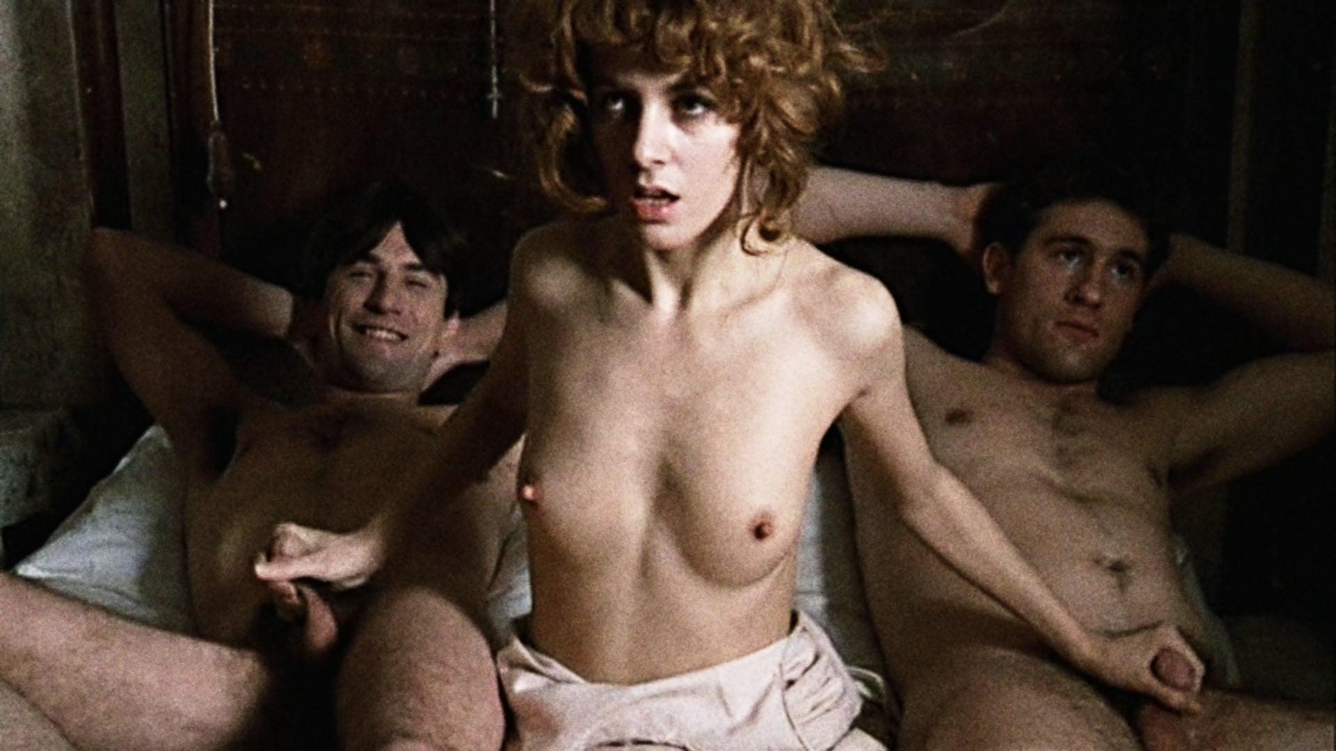 Секс эротика сцены в кино со знаменитостями, женщины на отдыхе ню фото