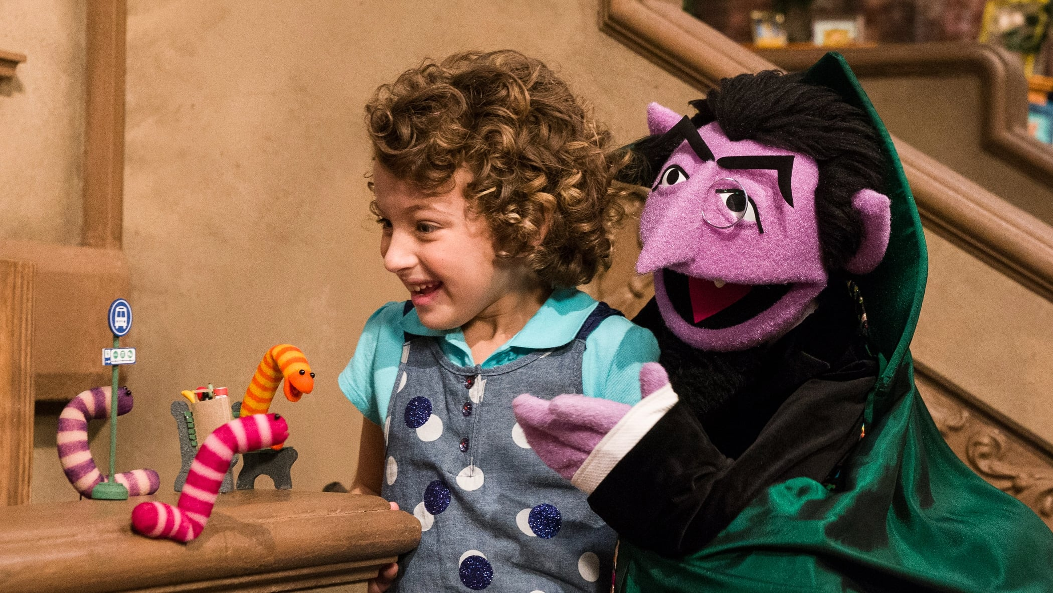 Sesame Street Season 50 :Episode 15  There's a New Count in Town