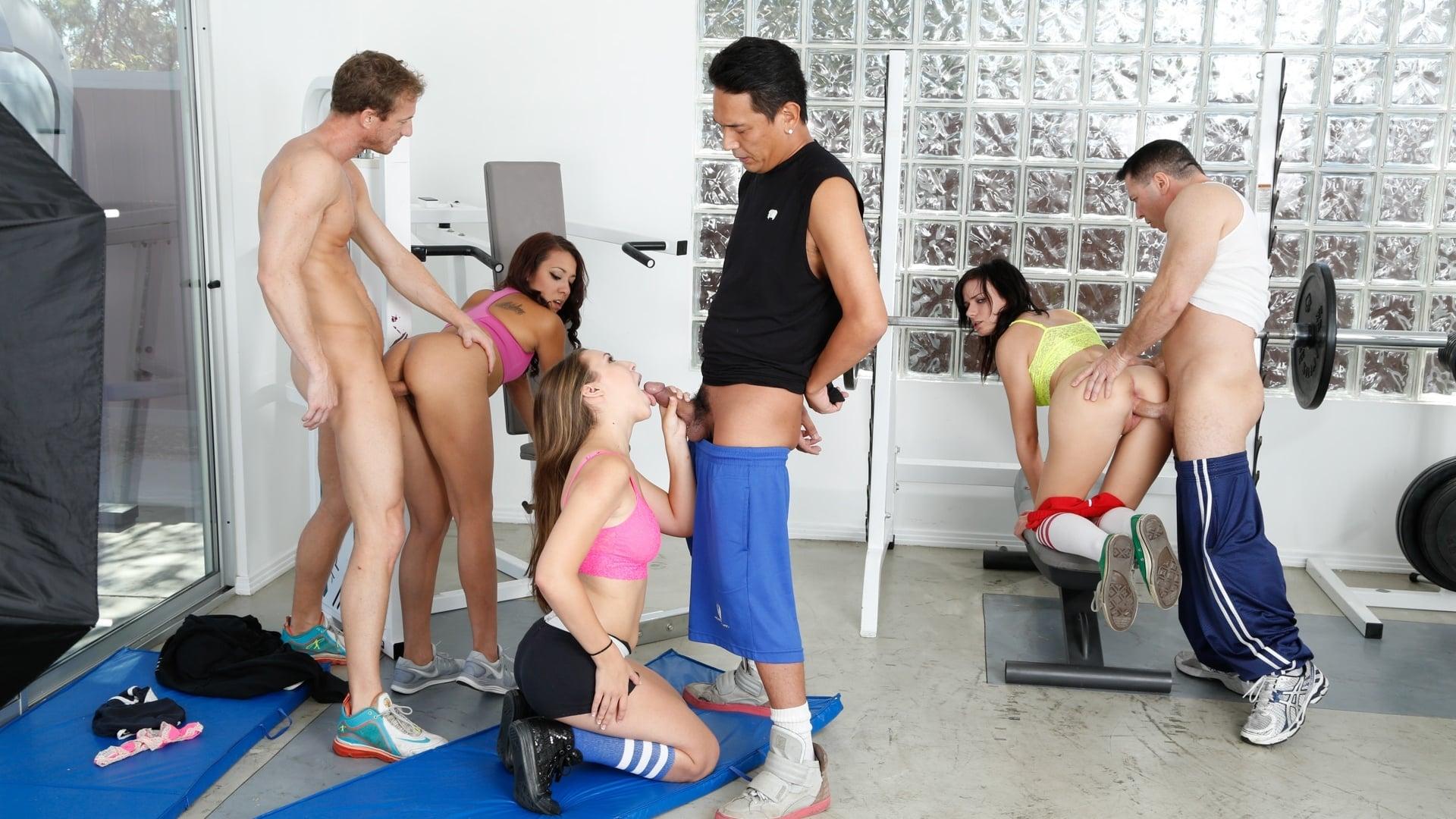 шевелил каштановые групповой трах в фитнес клубе такими дегенератами, как