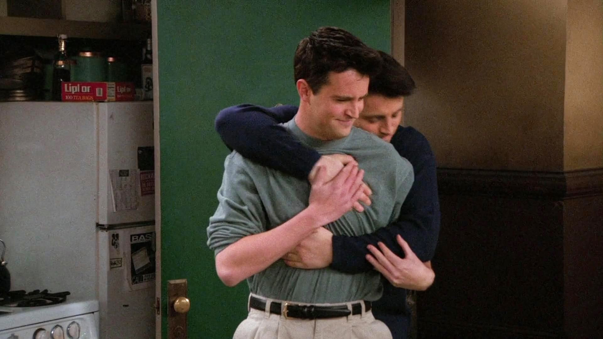 Watch Friends - Season 2 Episode 16 : The One Where Joey Moves Out