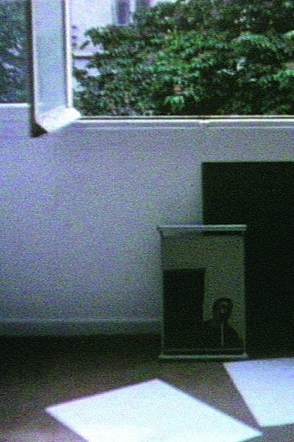 Jeune femme à sa fenêtre lisant une lettre (1983)