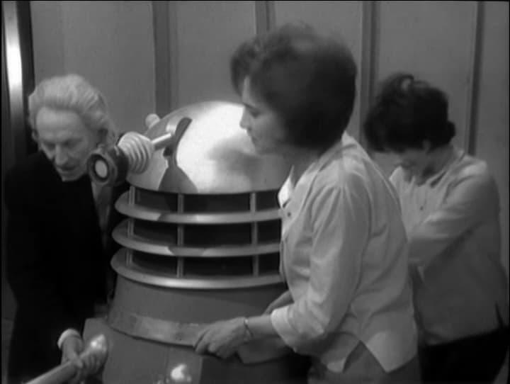 Doctor Who Season 1 :Episode 8  The Ambush