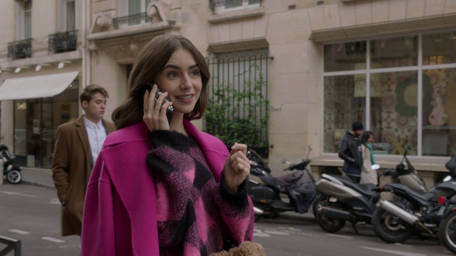Emily in Paris Season 1 :Episode 9  An American Auction in Paris