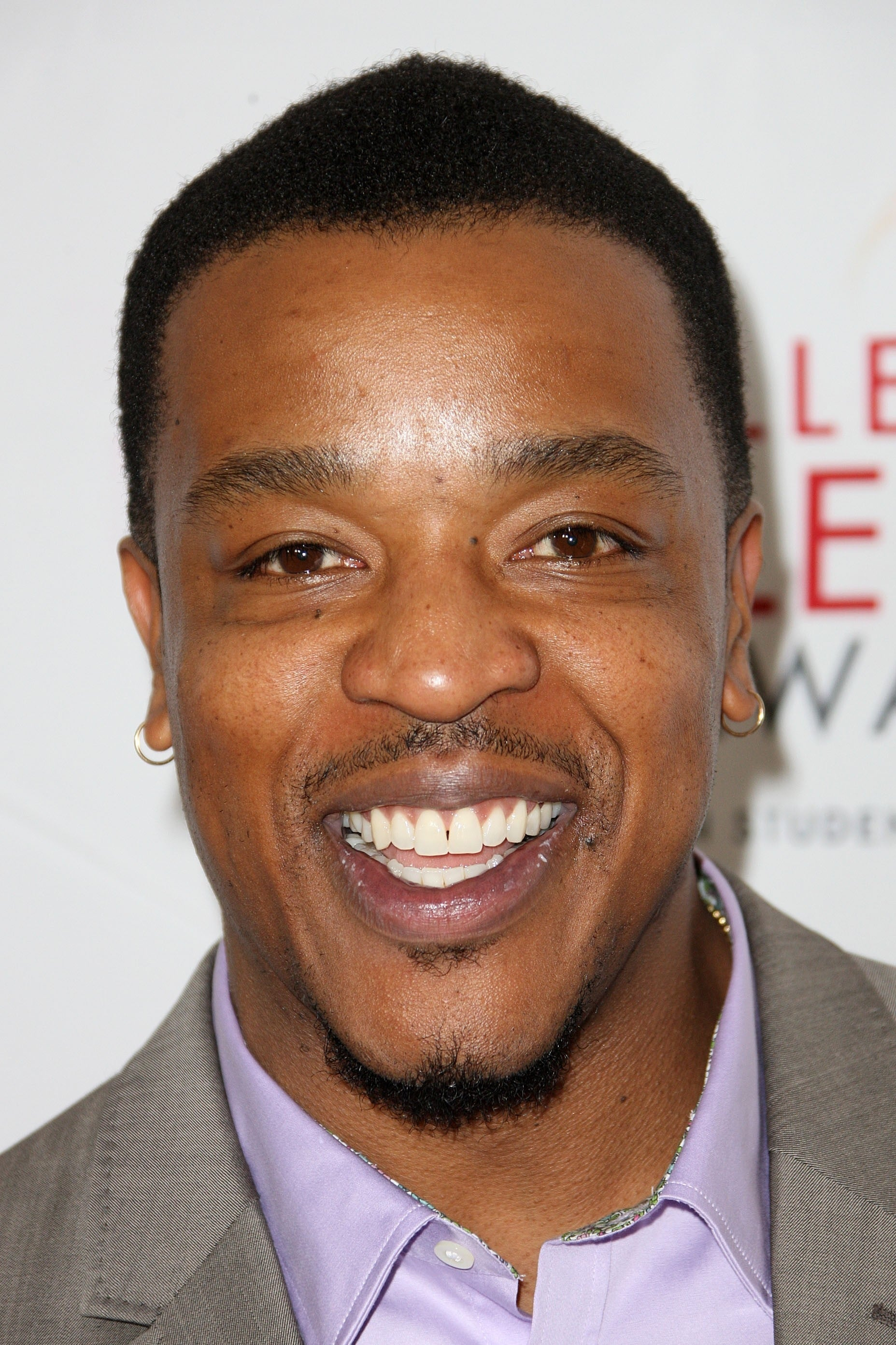 Russell Hornsby isHank Griffin