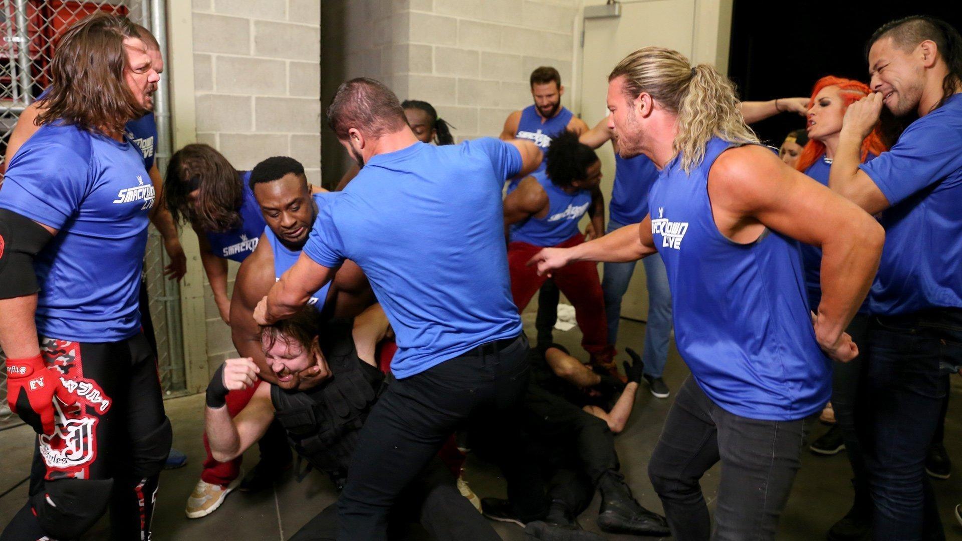 WWE Raw - Season 25 Episode 43 : October 23, 2017 (Green Bay, WI)
