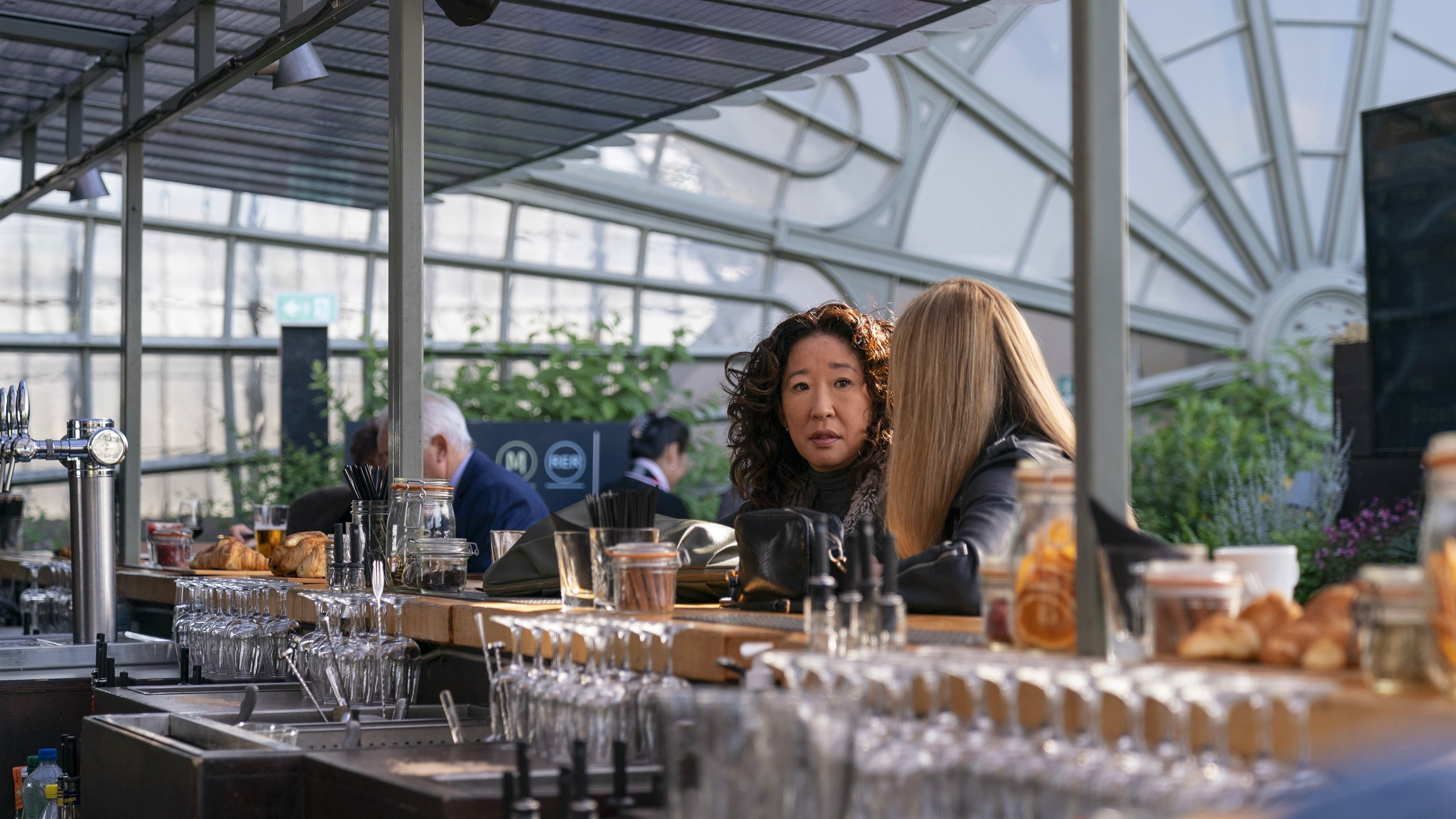 Killing Eve Season 2 :Episode 1  Do You Know How to Dispose of a Body?