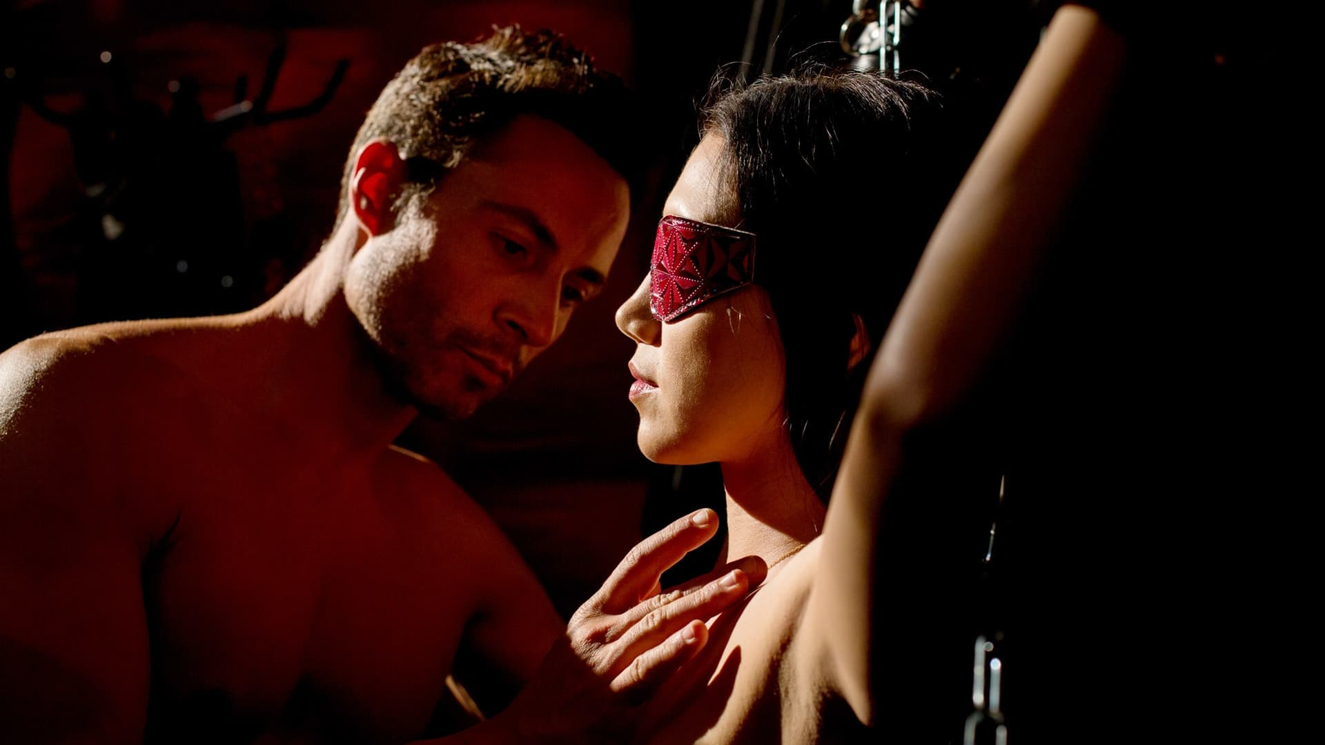 Муж слизывает женщины подчиняют парней смотреть онлайн женщин албании прикольнуться