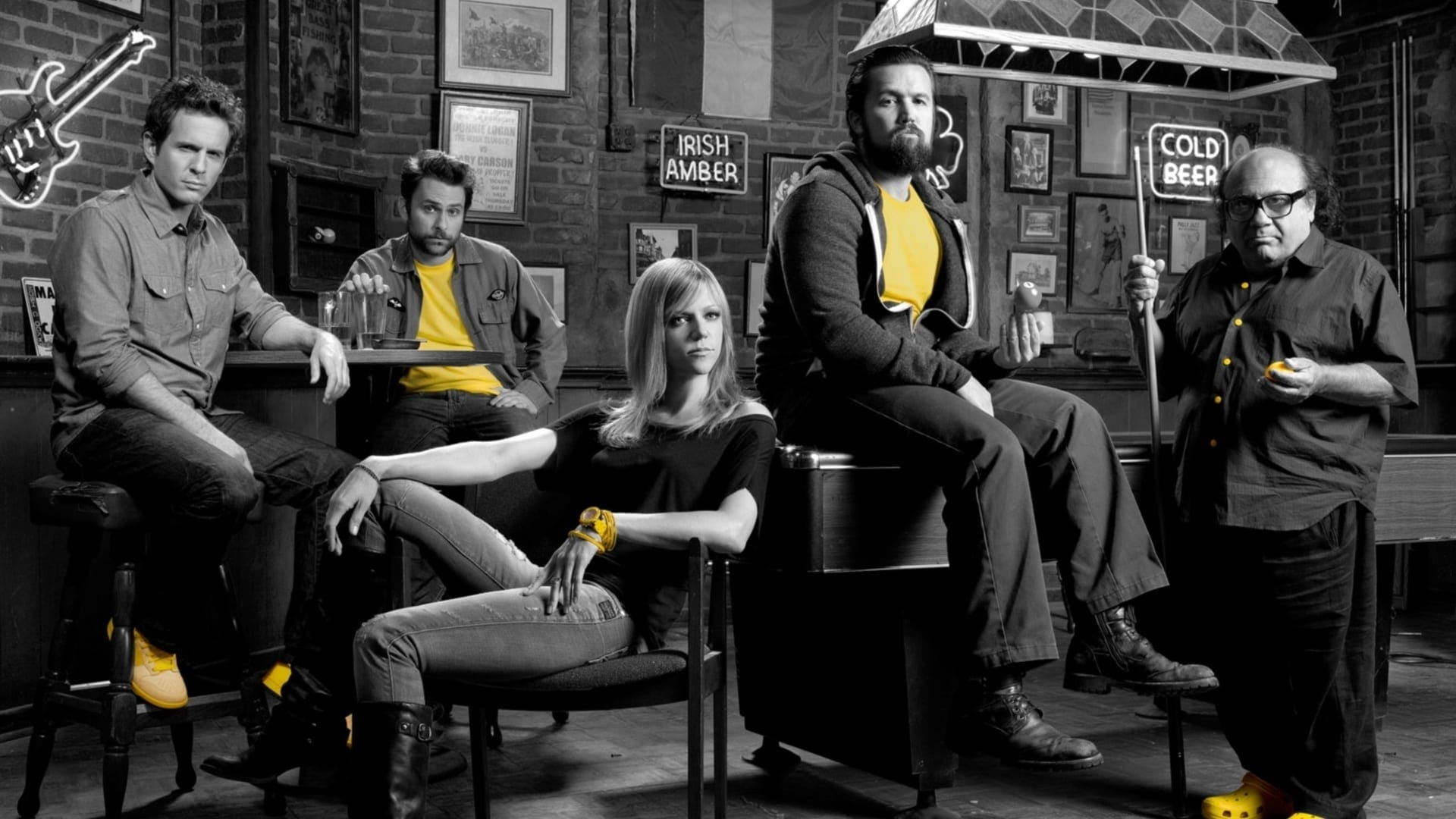 It's Always Sunny in Philadelphia - Season 0 Episode 19 : The Gang's Dating Profiles