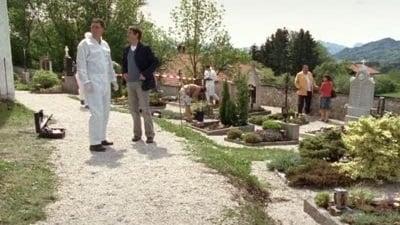 Die Rosenheim-Cops Season 7 :Episode 2  Die sieben Kreuze
