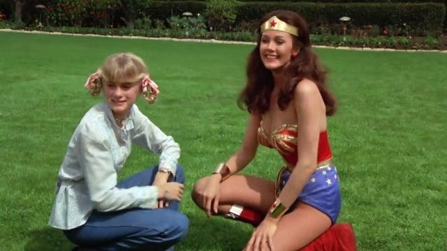 Wonder Woman Season 2 :Episode 21  The Girl from Ilandia