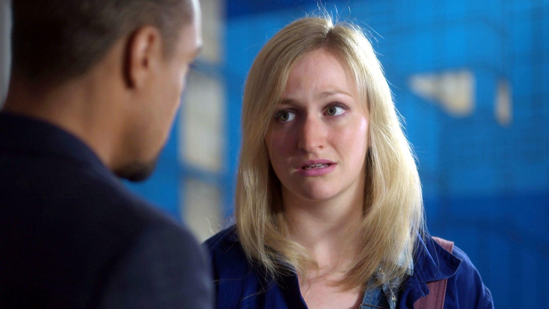 Doctors Season 18 :Episode 115  Chromatic
