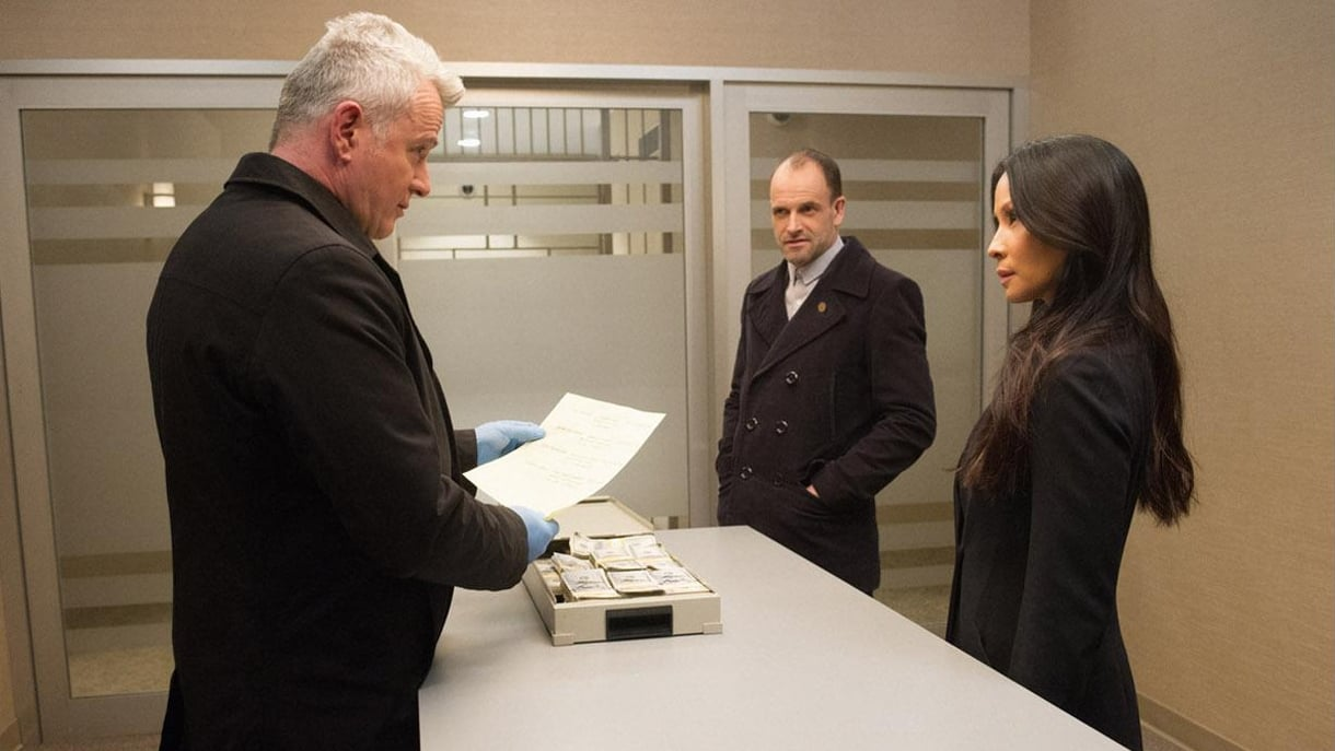 Elementary Season 5 :Episode 21  Fly Into a Rage, Make a Bad Landing