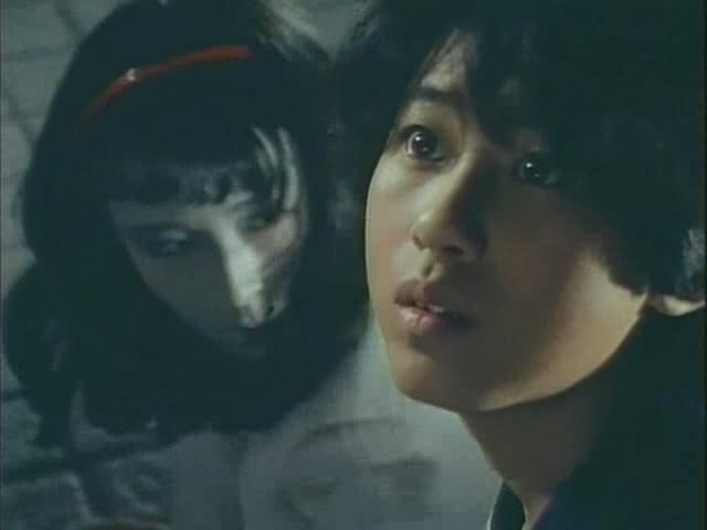 Super Sentai Season 9 :Episode 8  The Young Girl is a Vampire