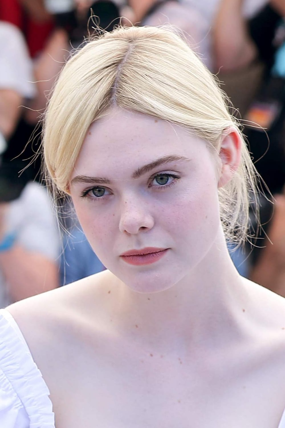 guardare elle fanning film streaming completo film en streaming. Black Bedroom Furniture Sets. Home Design Ideas