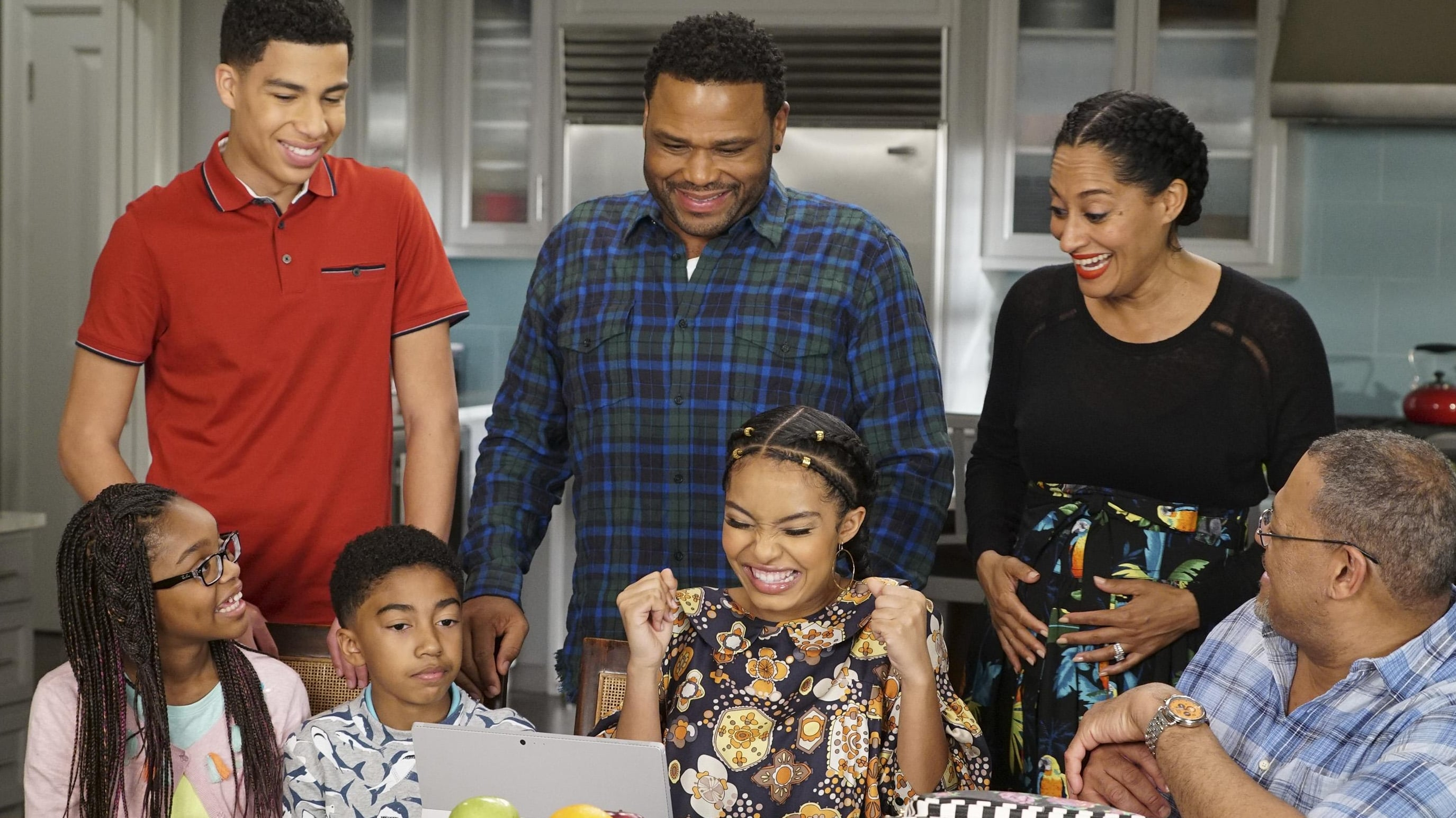 black-ish Season 3 :Episode 22  All Groan Up