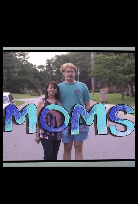 Ver Moms Online HD Español ()