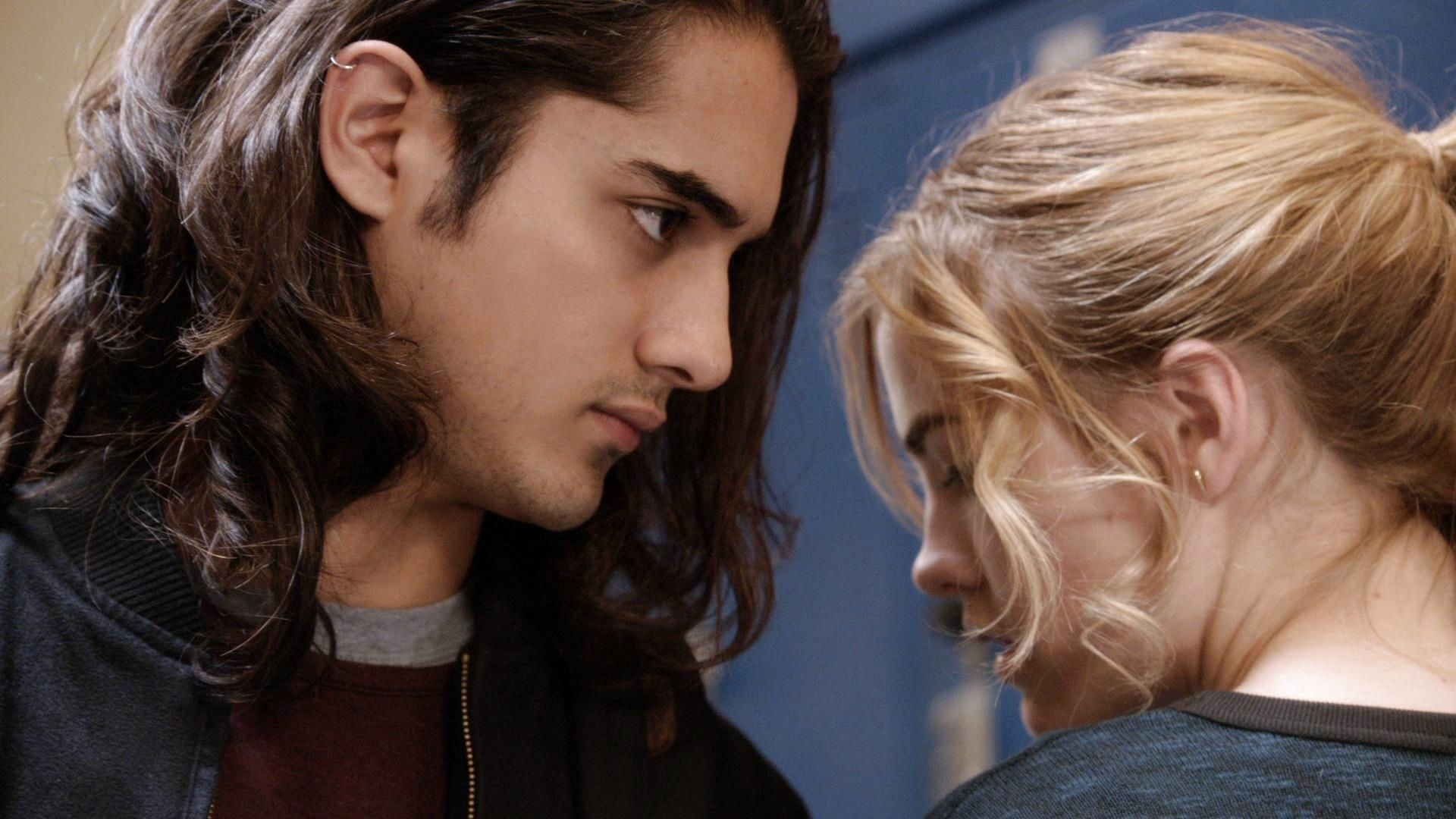 Twisted: Season 1 x Episode 12 - free to watch online - TMovies