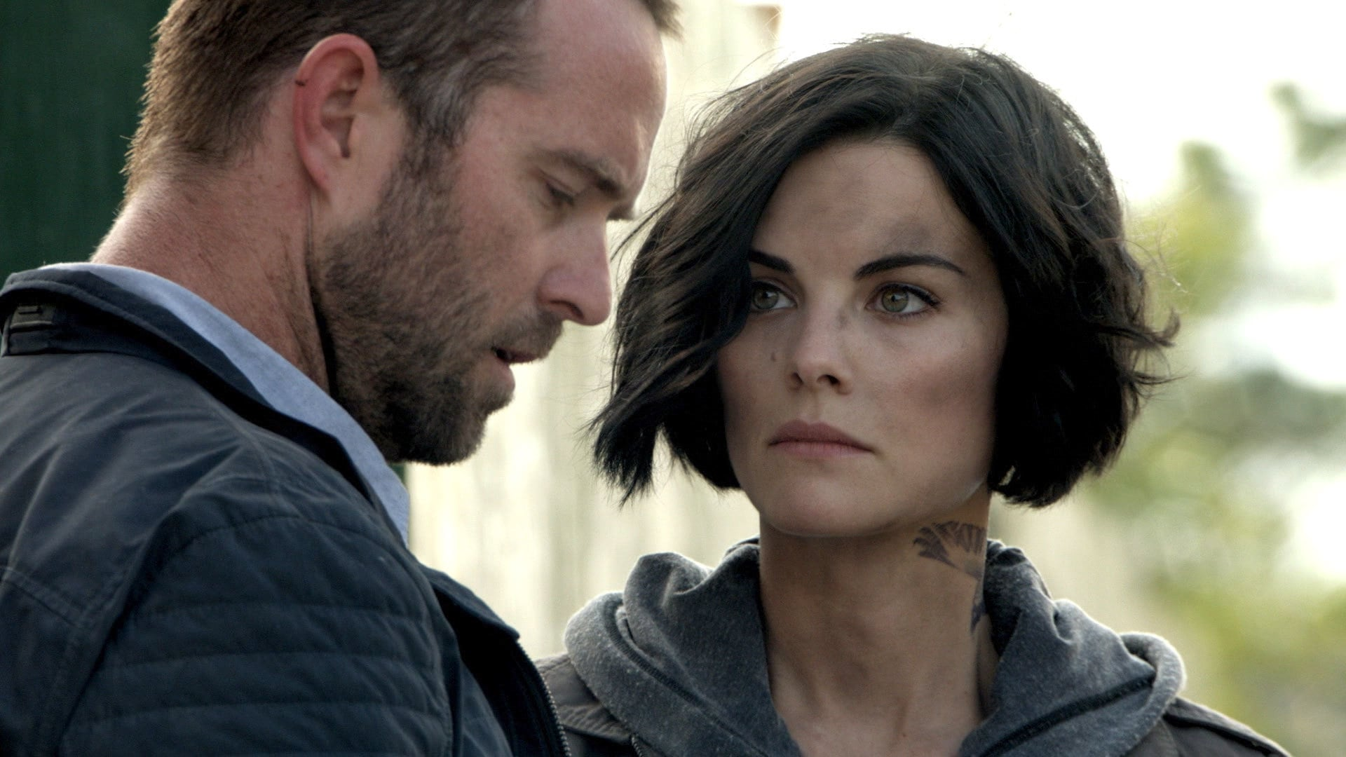 Blindspot Season 1 :Episode 2  A Stray Howl