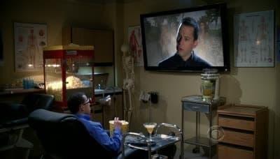 Two and a Half Men Season 8 :Episode 16  Dein Mann ist eine Puppe
