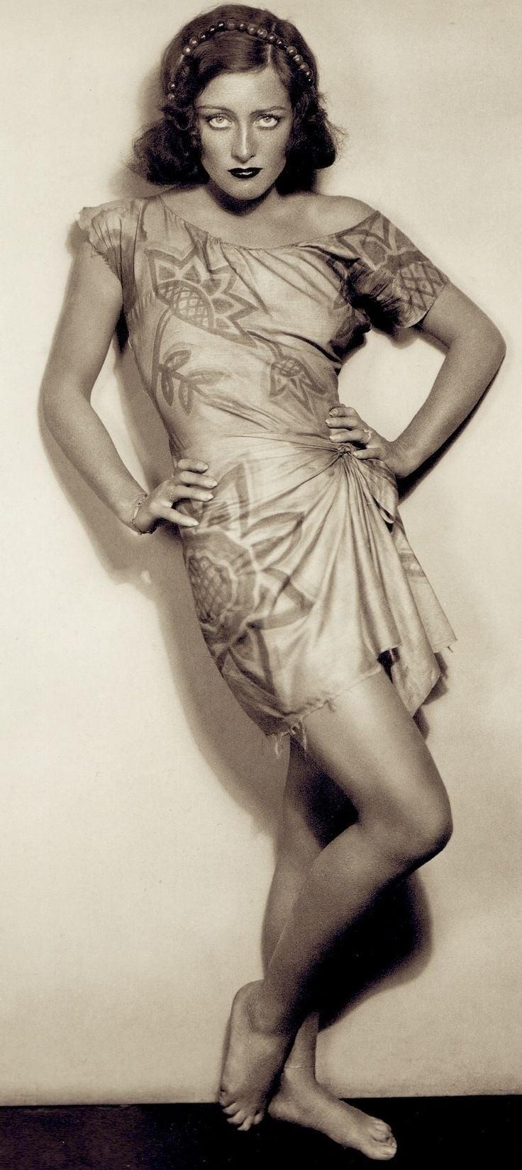 Fashion News (1928)
