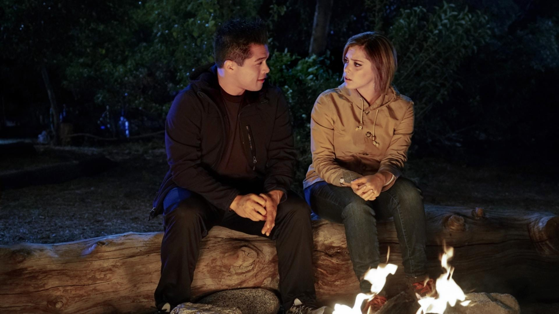 Crazy Ex-Girlfriend Season 1 :Episode 10  I'm Back at Camp With Josh!